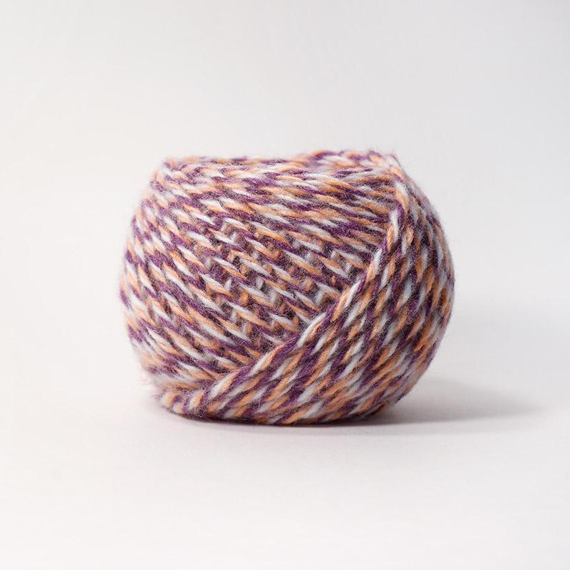 Карачаевская пряжа 12М бел-оранж-фиолет 100%акрил  45-50г