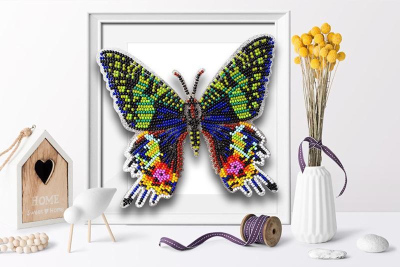 б-034 Набор для вышивания бисером 3-D Бабочка Chrysaridia Madagascaretisis 9,5х13,5см