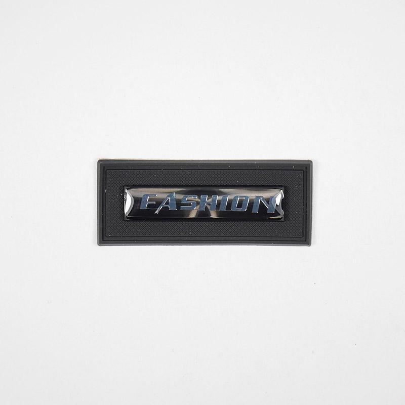 Лейба резиновая с металл. Fashion прямоуг. 45х18мм 37825
