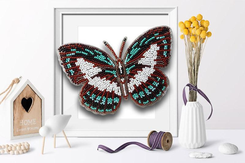 б-040 Набор для вышивания бисером 3-D Бабочка Danis Danis 9,5х13,5см