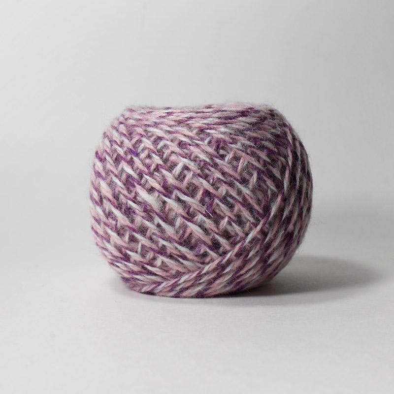 Карачаевская пряжа 8М бело-розов-фиолет 100%акрил  45-50г