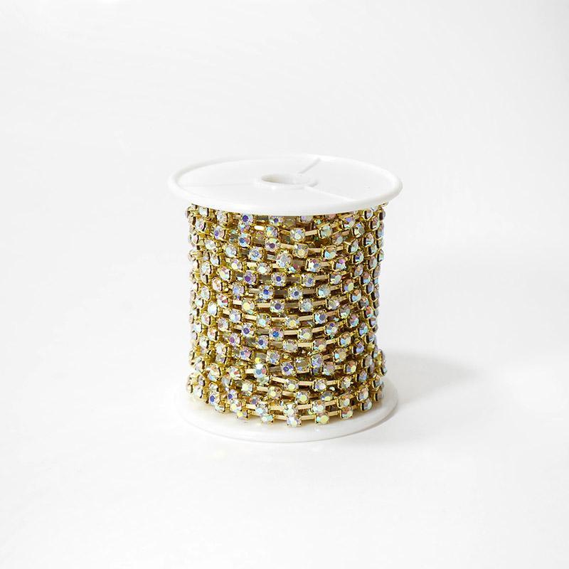 Стразы на бобине 4мм 9,14м SS16 SF-2053 серебро хамелеон в золотой оправе 202-214