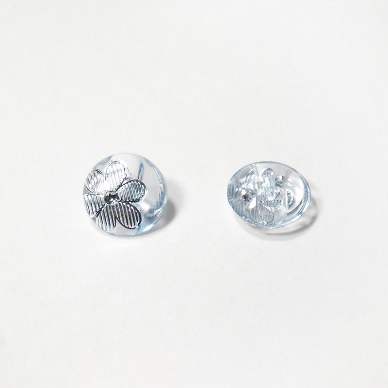 Пуговицы Блузочные с рисунком Цветок 13мм AF862 св.голубой
