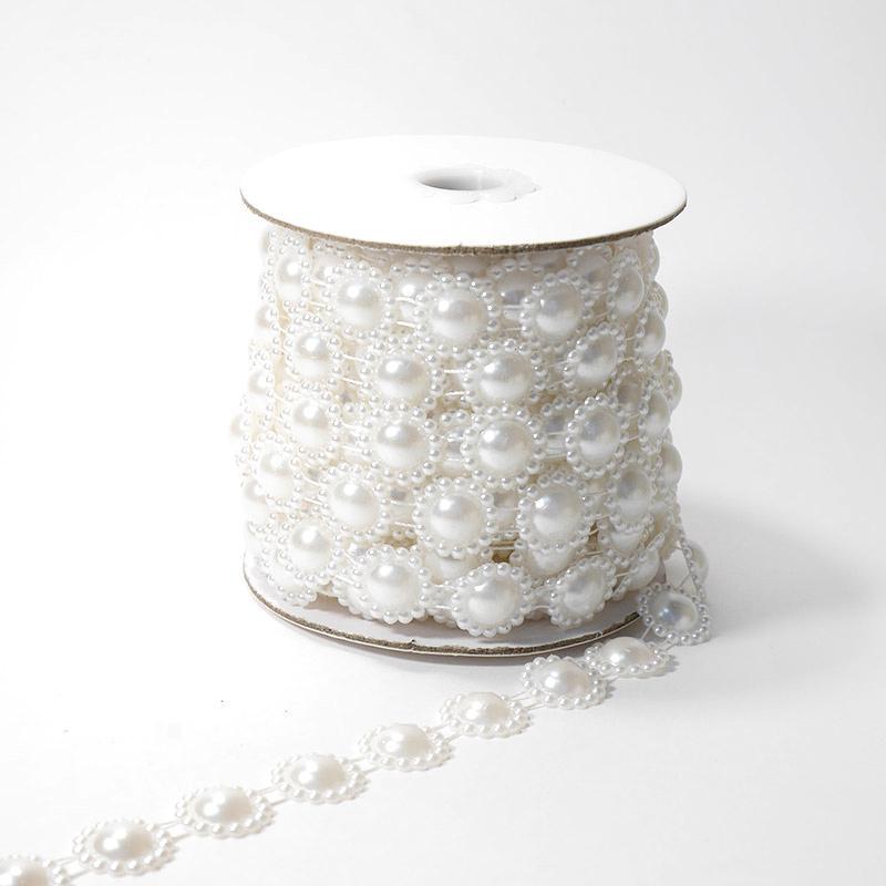 Фигурные бусины на нити 16мм 9,14м цветок белый