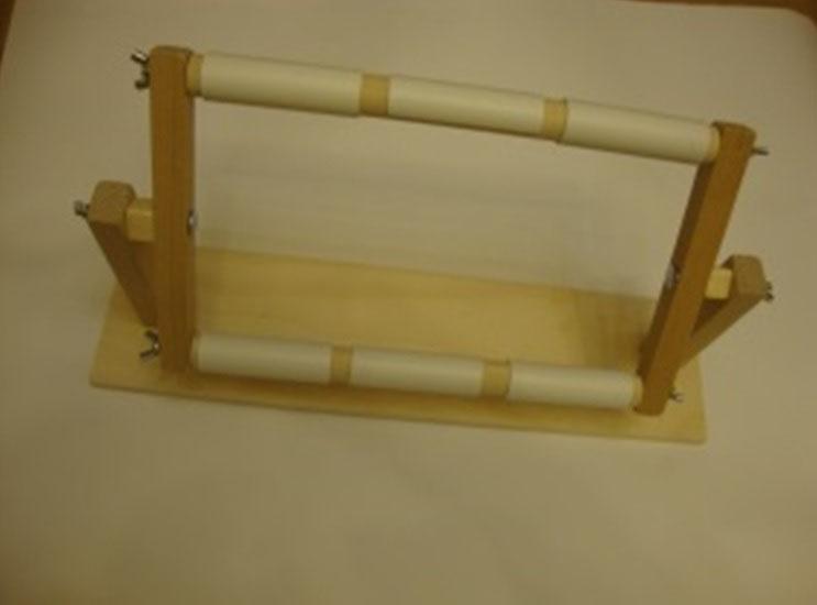 Станок гобеленовый деревянный  настольный 30х30 см  с клипсами ПГДНУ3030 (Россия)
