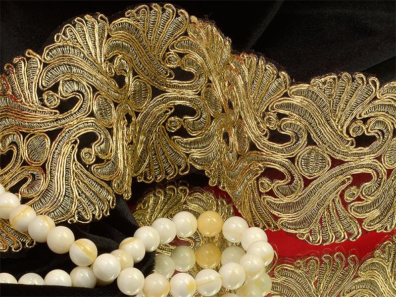 Кружево венецианское TBY G1033 75мм 9,14м 01 золото